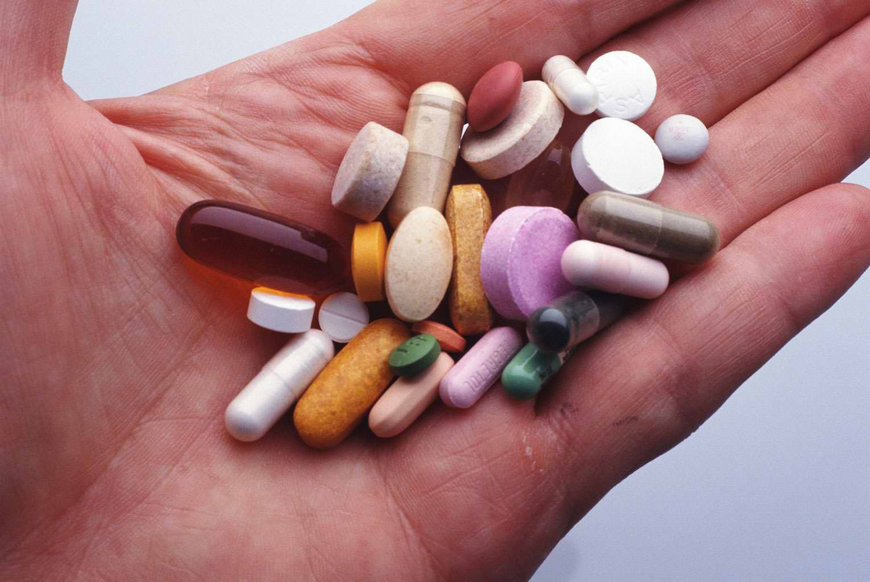 Симптомы аллергии на лекарства. Аллергия на лекарства, что делать Как выглядит аллергия на коже от лекарств